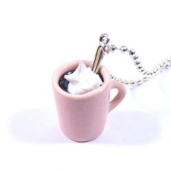 Naszyjnik z kubkiem herbaty