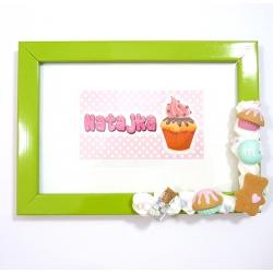 Ramka na zdjęcie biała ze słodyczami