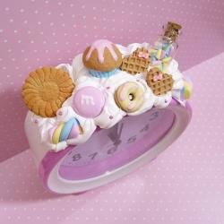 Budzik z muffinką i piankami