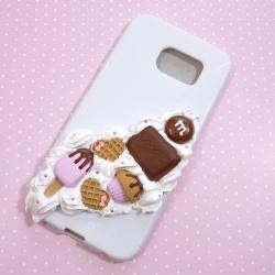 Obudowa na telefon z różowo-czekoladowymi dodatkami