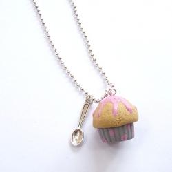 Naszyjnik z muffinką i łyżeczką
