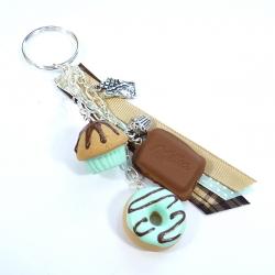 Brelok z donutem, czekoladą i muffinką