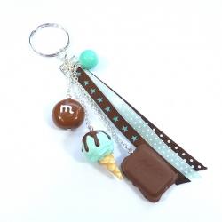 Brelok z lodem, czekoladą i cukierkiem