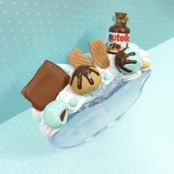 Budzik z kremem czekoladowym i czekoladą