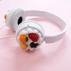 Słuchawki białe z owocami