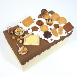 Kuferek zdobiony słodyczami beżowy duży