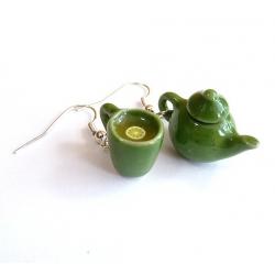 Kolczyki kubek i imbryk z herbatą
